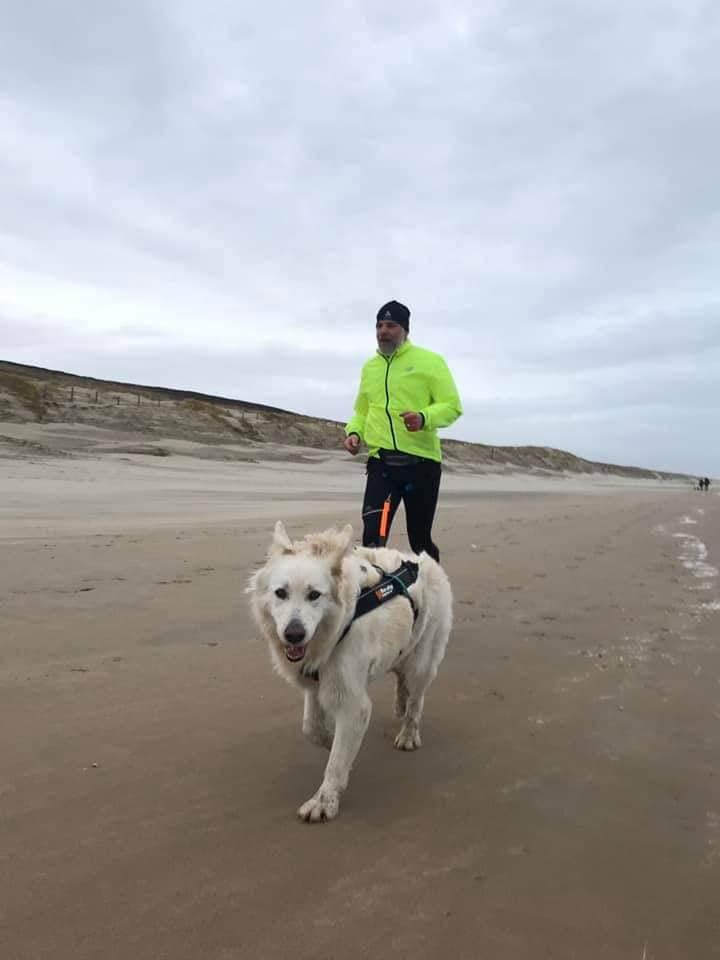 Misthy's Friend Noortje Op strand, mei 2020