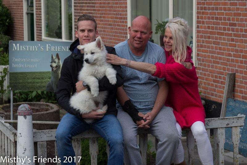 Zwitserse witte herder Misthy's Friends Ody Bij het vertrek