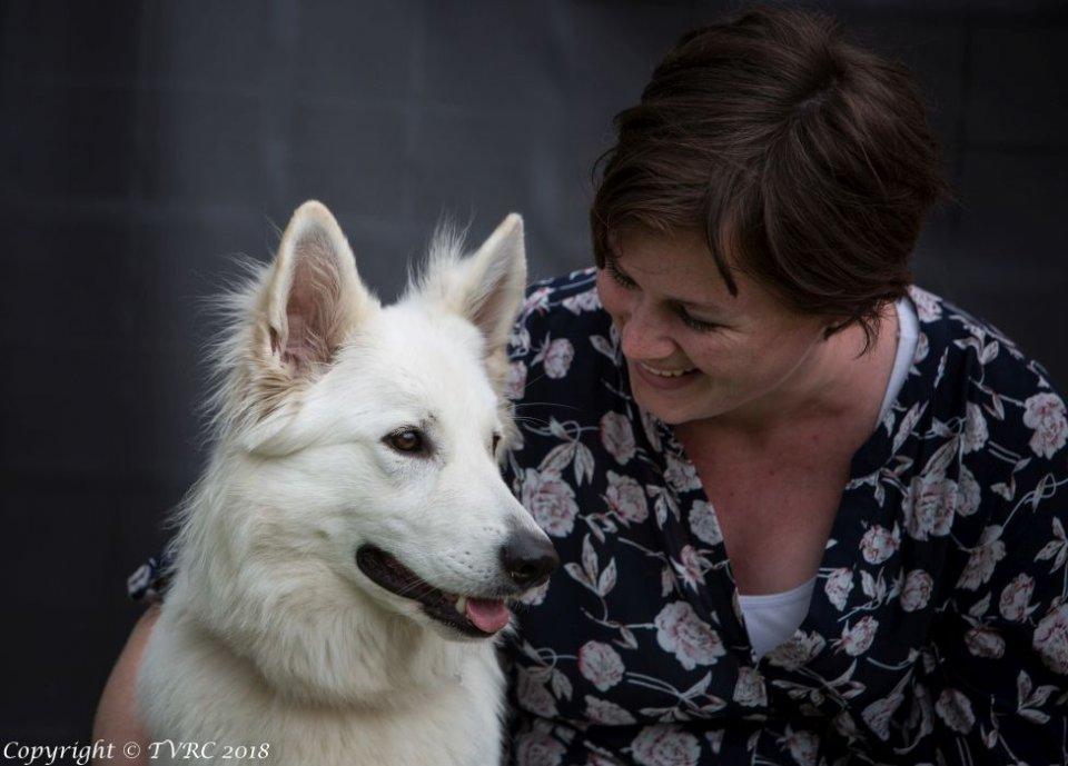 Zwitserse witte herder Misty's friends Puck september 2018